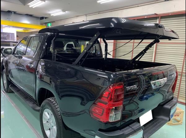 トヨタ ハイラックス ピックアップトラック トノカバー 塗装&取り付け