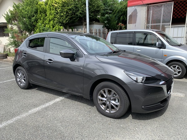 Mazda Mazda2 右ロッカーパネル板金 相模原市